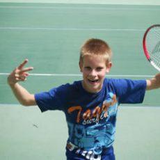 Jeugd mag (onder begeleiding) weer tennissen
